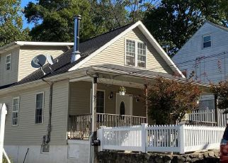 Pre Foreclosure in Waterbury 06705 HOMESTEAD AVE - Property ID: 1376152114