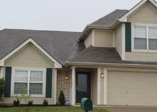 Pre Foreclosure in Kansas City 64154 N GOWER AVE - Property ID: 1376674181