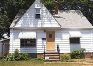 Pre Foreclosure in Cleveland 44111 BERWYN AVE - Property ID: 1377340345