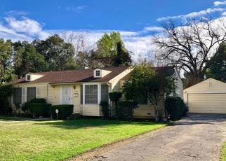Pre Foreclosure in Fresno 93704 E SAGINAW WAY - Property ID: 1378142272