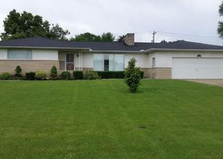 Pre Foreclosure in Columbus 43207 LINDSAY RD - Property ID: 1378174247