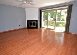 Pre Foreclosure in Stratford 06614 FIDDLER GREEN RD - Property ID: 1378387996