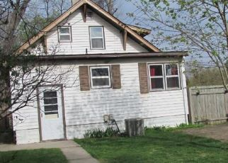 Pre Foreclosure in Minneapolis 55421 6TH ST NE - Property ID: 1379291972