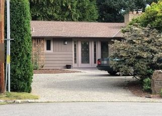 Pre Foreclosure in Bellevue 98008 NE 2ND PL - Property ID: 1379467590