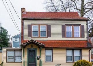 Pre Foreclosure in Hamden 06517 AUGUR ST - Property ID: 1380347926