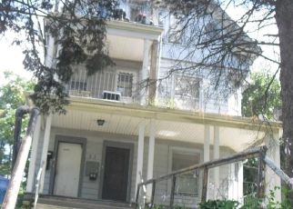 Pre Foreclosure in Waterbury 06705 IDYLWOOD AVE - Property ID: 1380372892