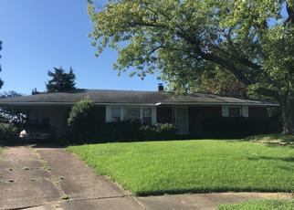 Pre Foreclosure in Memphis 38106 PERRY CV - Property ID: 1381433657