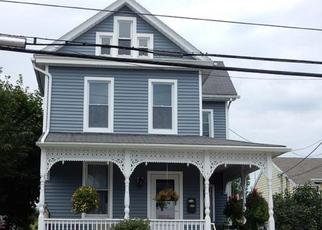 Pre Foreclosure in Manchester 17345 MAPLE ST - Property ID: 1381756887