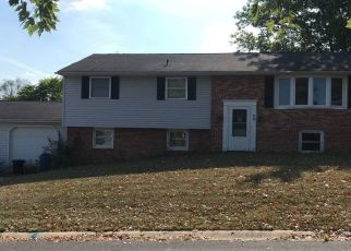 Pre Foreclosure in York 17403 LOGAN HEIGHTS RD - Property ID: 1381760375