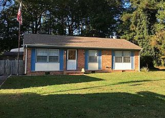 Pre Foreclosure in Suffolk 23434 AUSTIN DR - Property ID: 1382119974