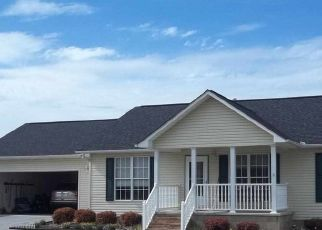 Pre Foreclosure in Seymour 37865 EMERTS VIEW CIR - Property ID: 1383185999