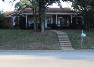 Pre Foreclosure in Hurst 76053 MOUNTAIN TER - Property ID: 1383210513