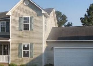 Pre Foreclosure in Hope Mills 28348 PIONEER DR - Property ID: 1383507911
