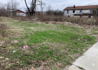 Pre Foreclosure in East Saint Louis 62205 SUMMIT AVE - Property ID: 1383886750