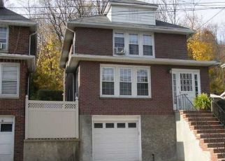 Pre Foreclosure in Staten Island 10304 VAN DUZER ST - Property ID: 1383957702