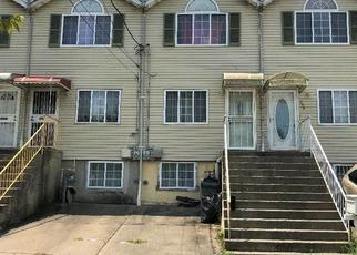 Pre Foreclosure in Staten Island 10304 TARGEE ST - Property ID: 1383963836