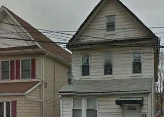 Pre Foreclosure in Staten Island 10302 EATON PL - Property ID: 1383977408