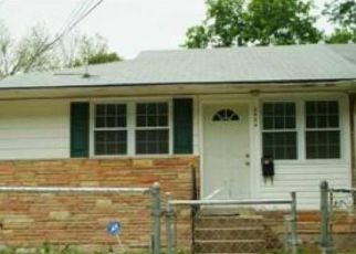 Pre Foreclosure in Hyattsville 20785 RAY LEONARD RD - Property ID: 1384141200