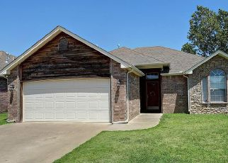 Pre Foreclosure in Oologah 74053 S MARINA DR - Property ID: 1385279952