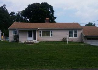 Pre Foreclosure in East Syracuse 13057 KENDALL DR E - Property ID: 1385943921
