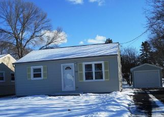 Pre Foreclosure in Liverpool 13088 FREDERICK DR - Property ID: 1385946539