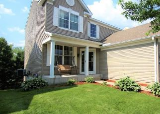 Pre Foreclosure in Circle Pines 55014 PINE HOLLOW DR - Property ID: 1386759414