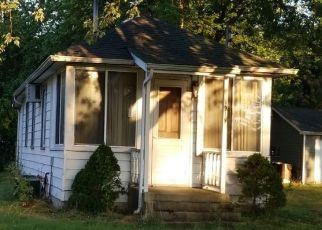 Pre Foreclosure in Mchenry 60051 PALM ST - Property ID: 1387377397