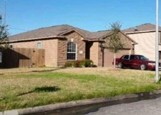Pre Foreclosure in Highlands 77562 TRACY LN - Property ID: 1387813170
