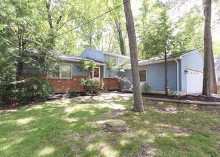 Pre Foreclosure in Olmsted Falls 44138 MAPLEWAY DR - Property ID: 1387891580