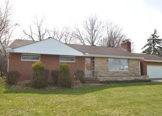 Pre Foreclosure in Independence 44131 HILLSIDE RD - Property ID: 1387940636