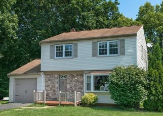Pre Foreclosure in Lancaster 17601 GLENN RD - Property ID: 1388004130