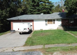 Pre Foreclosure in Lake Station 46405 OLD HOBART RD - Property ID: 1388109244