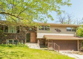 Pre Foreclosure in Hazel Crest 60429 BIRCHWOOD DR - Property ID: 1388253342