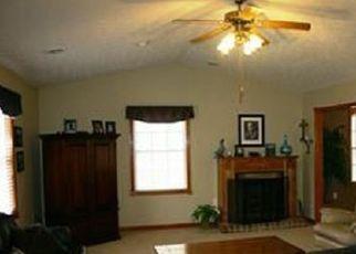 Pre Foreclosure in Wallingford 41093 HARDWOOD RD - Property ID: 1388617295