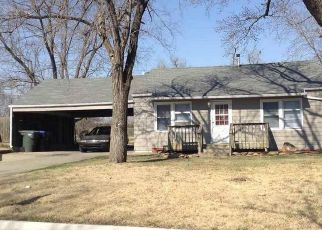 Pre Foreclosure in Topeka 66605 SE 33RD ST - Property ID: 1388733808