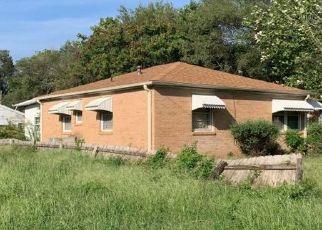 Pre Foreclosure in Hutchinson 67502 W 18TH AVE - Property ID: 1388782868