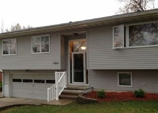 Pre Foreclosure in Marion 52302 24TH ST - Property ID: 1389100387