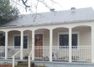 Pre Foreclosure in Greenville 62246 E COLLEGE AVE - Property ID: 1389651355