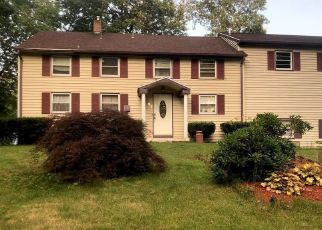 Pre Foreclosure in Bloomfield 06002 ELLSWORTH DR - Property ID: 1389863785