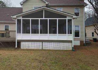 Pre Foreclosure in Simpsonville 29681 POWDERHORN RD - Property ID: 1390112545