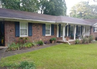 Pre Foreclosure in Stone Mountain 30087 BROWNLEE RD - Property ID: 1390219859