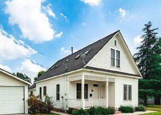 Pre Foreclosure in Pasadena 91103 BLAKE ST - Property ID: 1391285438