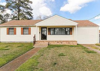Pre Foreclosure in Norfolk 23518 DOMINION AVE - Property ID: 1392941867