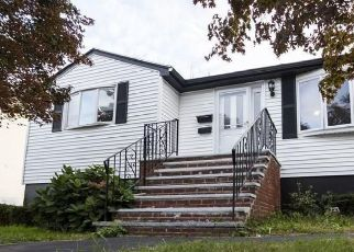 Pre Foreclosure in Revere 02151 EASTERN AVE - Property ID: 1393014562