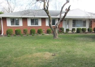 Pre Foreclosure in Maumee 43537 MONCLOVA RD - Property ID: 1394006123
