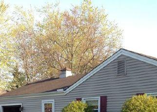 Pre Foreclosure in Berea 44017 BRIDLE LN - Property ID: 1394105107