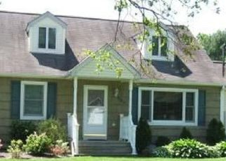 Pre Foreclosure in Bohemia 11716 WILSON ST - Property ID: 1394441927
