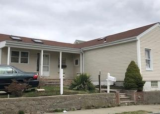 Pre Foreclosure in South Dartmouth 02748 MCCABE ST - Property ID: 1394881195