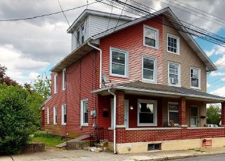 Pre Foreclosure in Whitehall 18052 N 2ND ST - Property ID: 1394974945