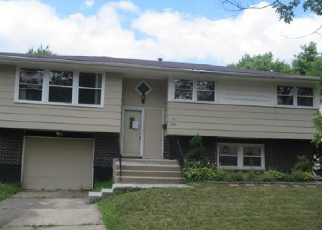 Pre Foreclosure in Hazel Crest 60429 CHESTNUT DR - Property ID: 1395062976